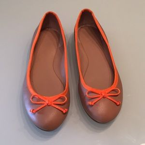 Banana Republic ballet upper leather tan flats